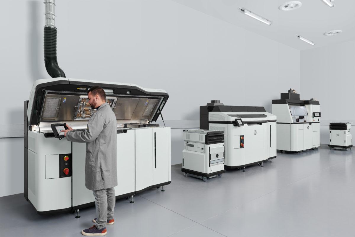 HP Jet Fusion 5200 3D Drucker mit Processing Station und Operator